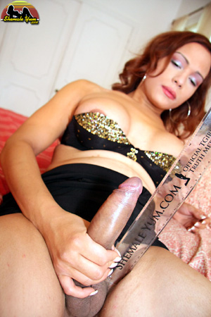 Biggest Hung Tranny Cock