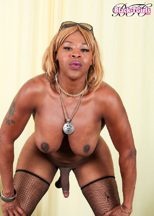 Big Cock Hung Black Tranny