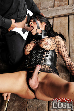 Latex Shemale Bondage